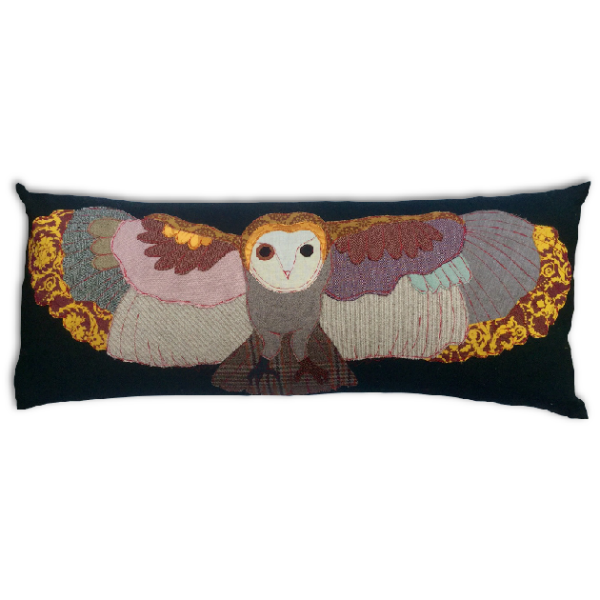 Flying-Owl-Cushion-by-Carola-van-Dyke-final-600×600